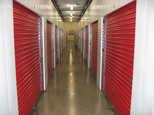 AAA Quality Self Storage - Long Beach - Photo 2