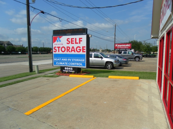 Devon Self Storage - Pasadena - Photo 7