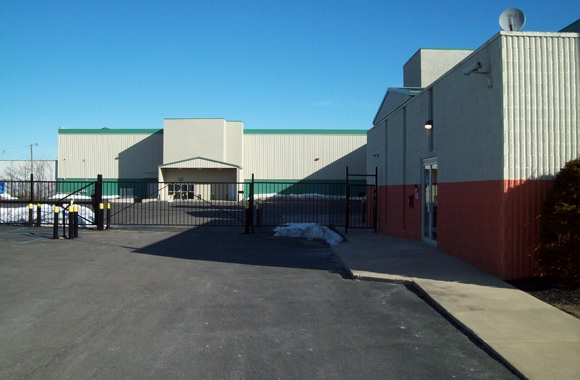 Michigan Storage Centers: Madison Heights - Photo 3