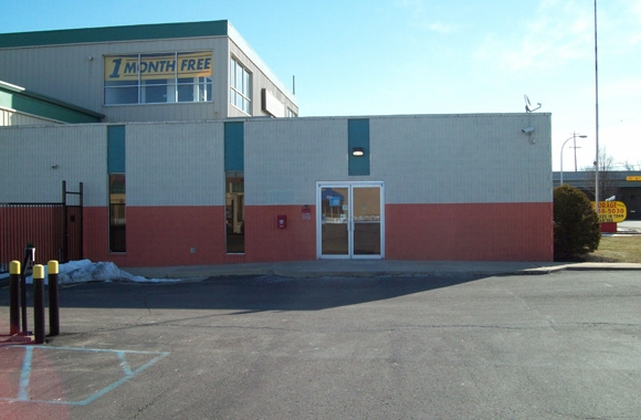 Michigan Storage Centers: Madison Heights - Photo 6