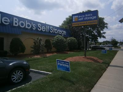 Uncle Bob's Self Storage - Piscataway - Photo 1