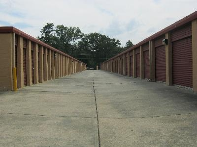 Uncle Bob's Self Storage - Oak Grove Rd - Photo 3