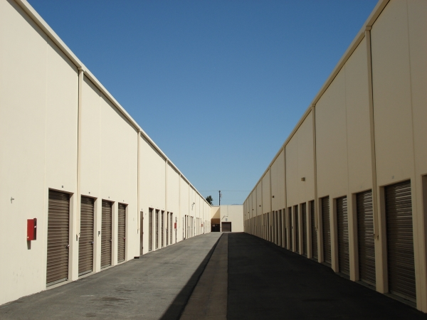 Paramount Self Storage - Photo 6