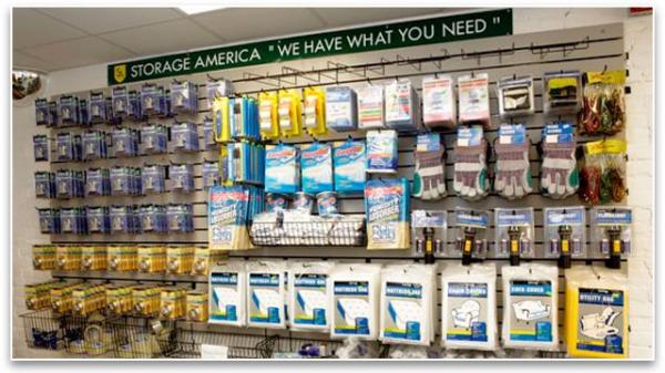 Storage America - Central Falls - Photo 7