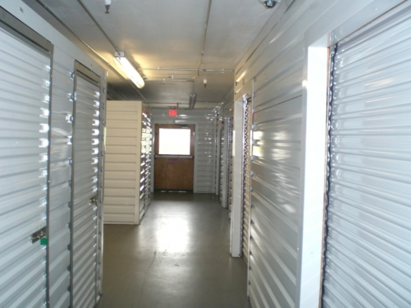Signal Hill Self Storage - Photo 3