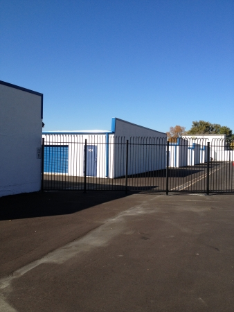 Devon Self Storage - Fontaine Rd. - Photo 6
