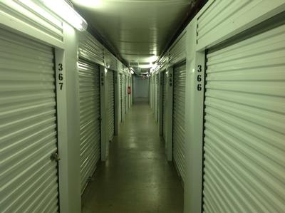 Uncle Bob's Self Storage - Fort Worth - Bryant Irvin Rd - Photo 5