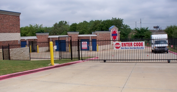 Lewisville Self Storage - Photo 3