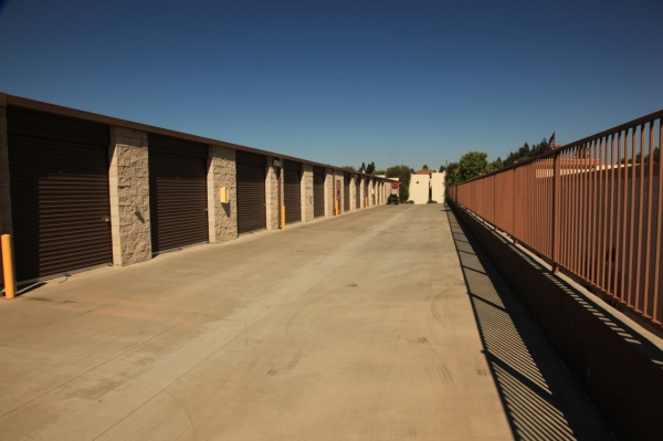 Allsize Storage Yorba Linda - Photo 2