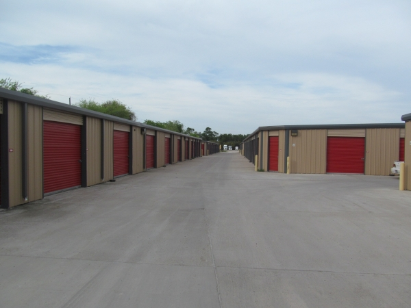 Move It Self Storage - Griffin Parkway - Photo 4