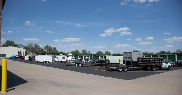 Central Self Storage - Strang Line - Photo 2