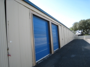 Watson & Taylor Self Storage - Judivan - Photo 2