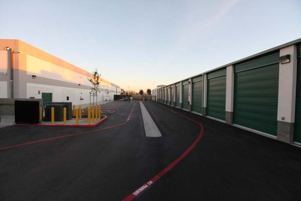 I-5 Self Storage - Photo 14