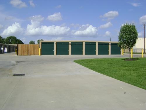 1st American (A-Plus) Storage - Photo 2