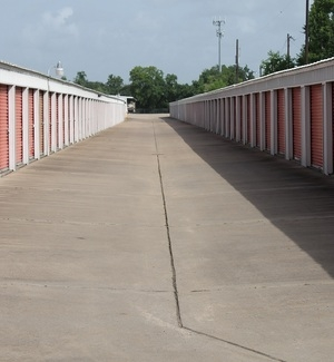 Friendswood Self Storage - Photo 3
