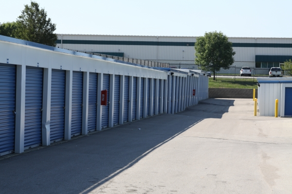 Access Self Storage - Beach Grove - Photo 7