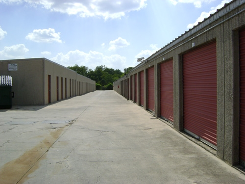 1st American Storage - Attic Space Blanco - Photo 6