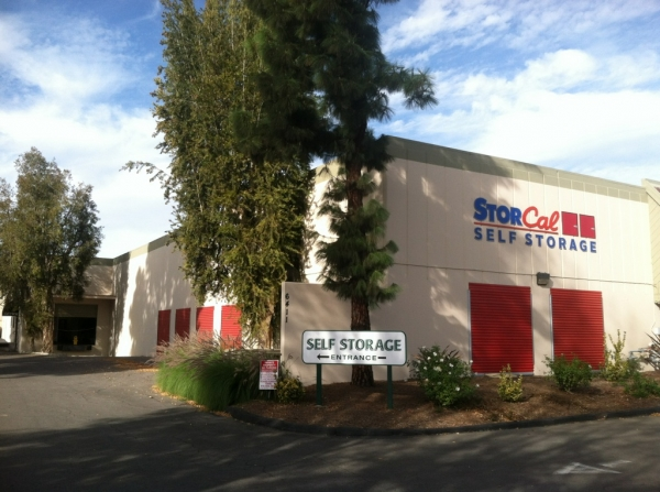 StorCal Self Storage - Woodland Hills #1 - Photo 4