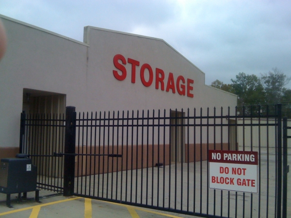 Community Self Storage McInnis Loop - Photo 2