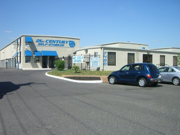 21st Century Self Storage - Pennsauken - Photo 4