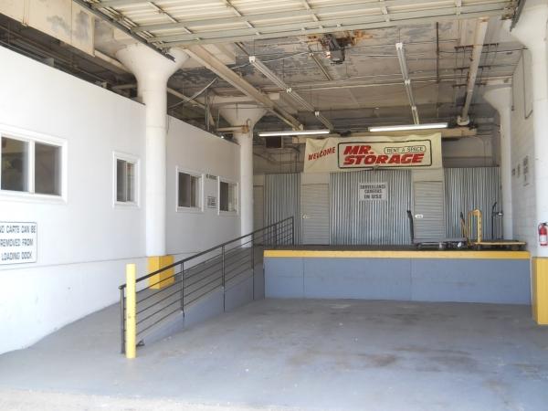 Mr. Storage - Olney - Photo 3