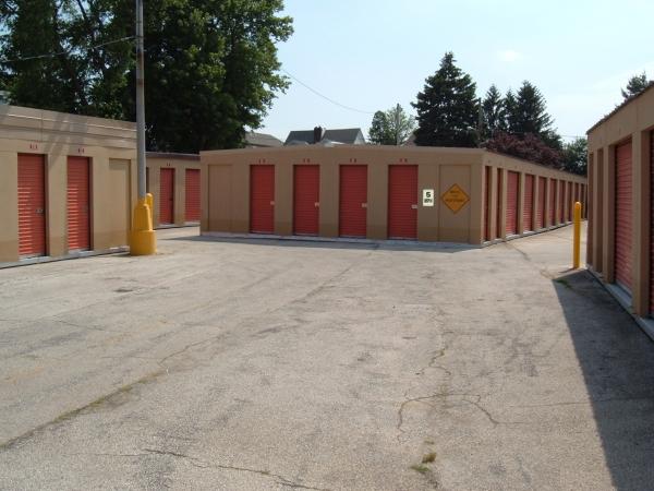 Mr. Storage - Roxborough - Photo 4
