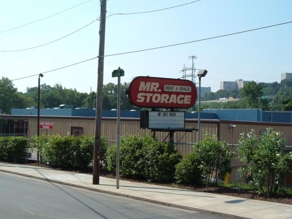 Mr. Storage - Manayunk - Photo 7