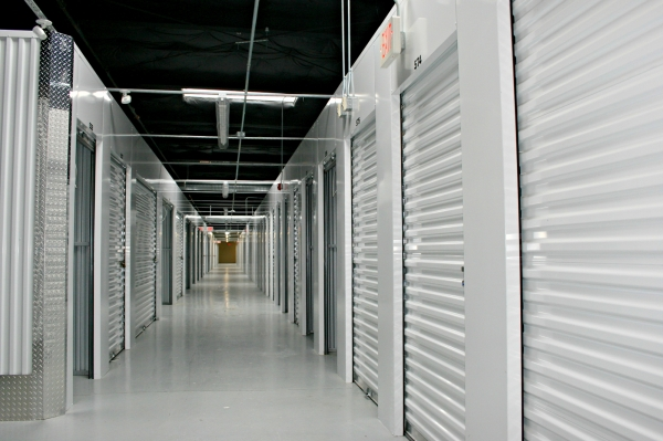 Warren Storage Center - Photo 4
