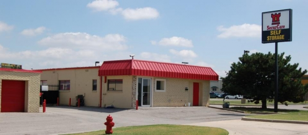 SecurCare Self Storage - Oklahoma City - N Roxbury Blvd - Photo 1