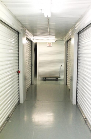 Neighborhood Storage - Photo 2