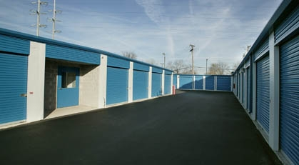 Metro Self Storage - Chicago/ West 105th St - Photo 8