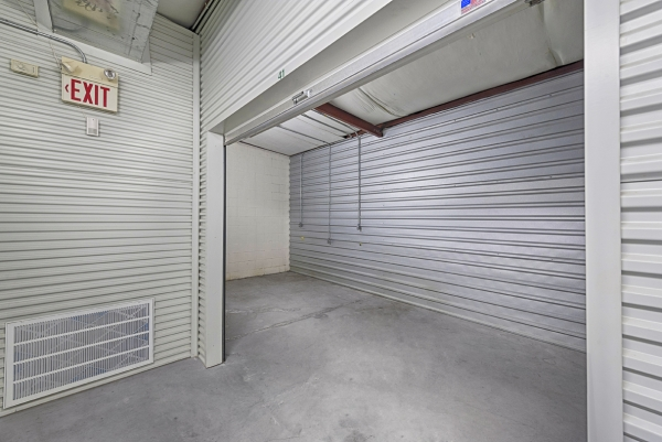 Schroeder Road Storage - Photo 9