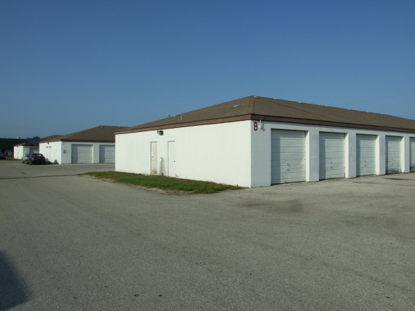 Manatee Storage Self Storage & Workshops - Photo 2
