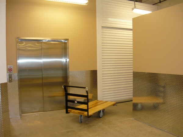 Kirkland Way Heated Storage - Photo 3