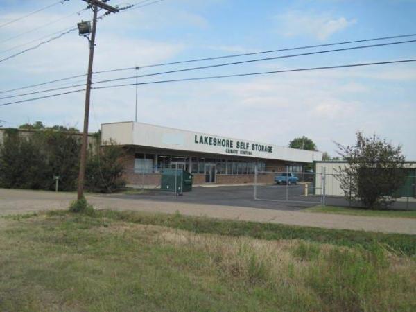 Lakeshore Storage - Photo 1