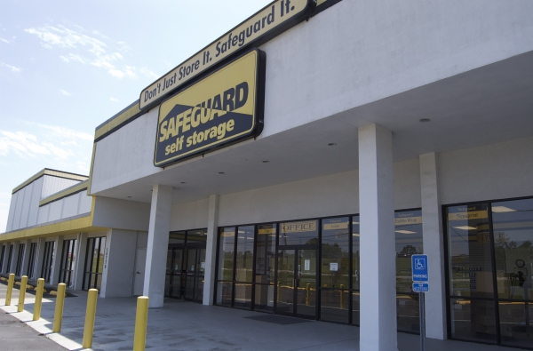 Safeguard Self Storage - Baton Rouge - Jefferson Hwy - Photo 1