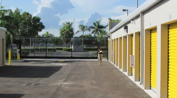 Safeguard Self Storage - Miami - Park Centre Blvd - Photo 5