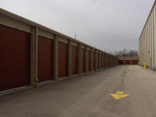 Safeguard Self Storage - McCook - Photo 2