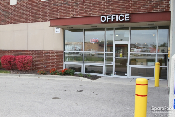 Safeguard Self Storage - McCook - Photo 3