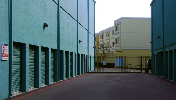 Price Self Storage Pacific Beach - Photo 4