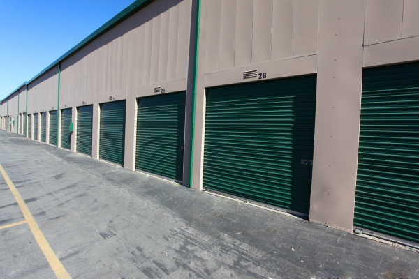 StorQuest Self Storage - Canoga Park - Photo 3