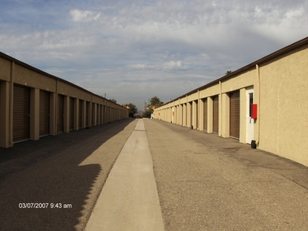 StorQuest Self Storage - Camarillo - Photo 4