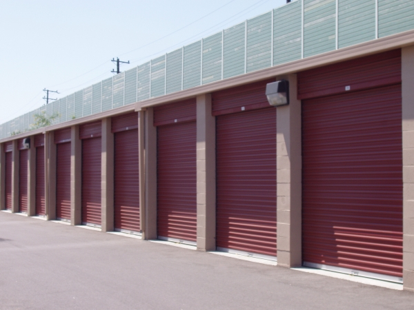 StorQuest Self Storage - Long Beach - Photo 3
