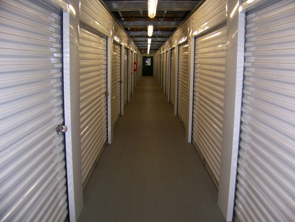 StorQuest Self Storage - Long Beach - Photo 4
