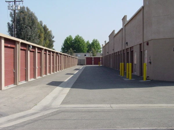 StorQuest Self Storage - Long Beach - Photo 5