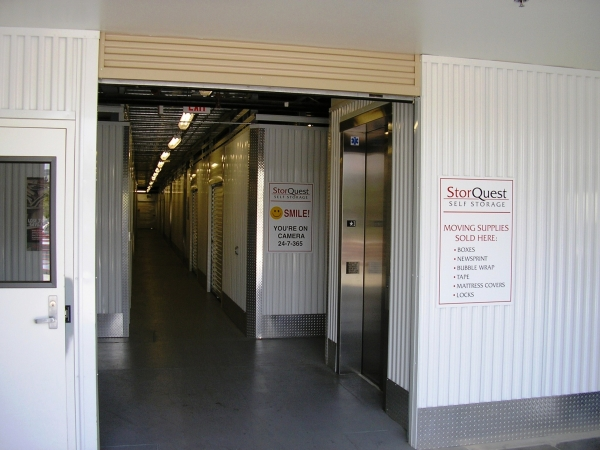 StorQuest Self Storage - Los Angeles - Photo 5