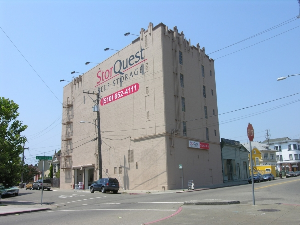 StorQuest Self Storage - Oakland - Photo 2