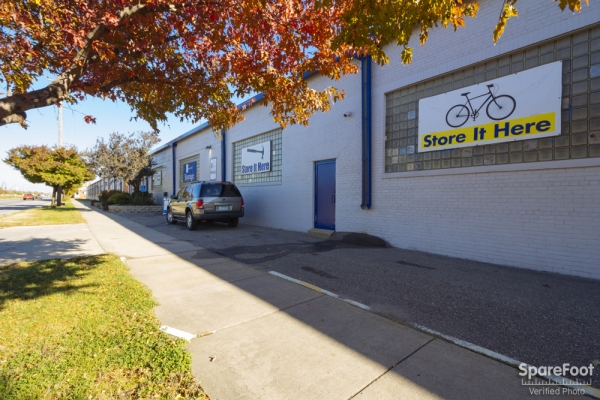 Simply Storage - Hiawatha I/South Minneapolis - Photo 2