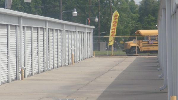 Baton Rouge Mini Storage & UHaul - Airline Hwy - Photo 3