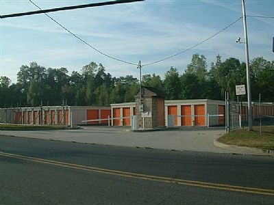 Danbury Self Storage - Beaverbrook Road - Photo 3